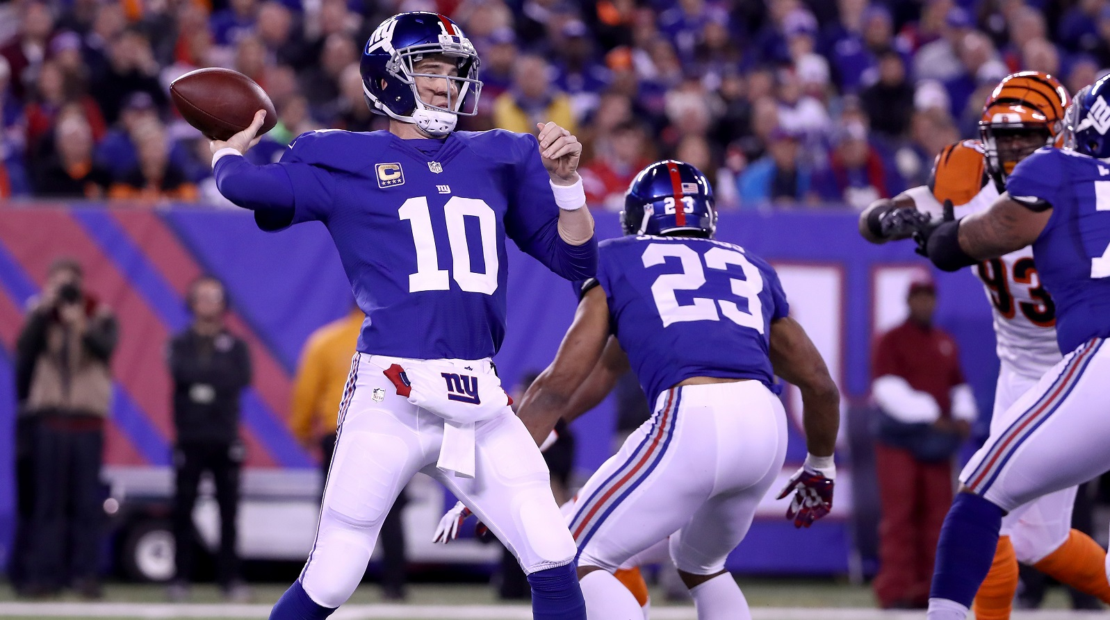 Eli Manning throws clutch fourth-down TD to help Giants edge Bengals