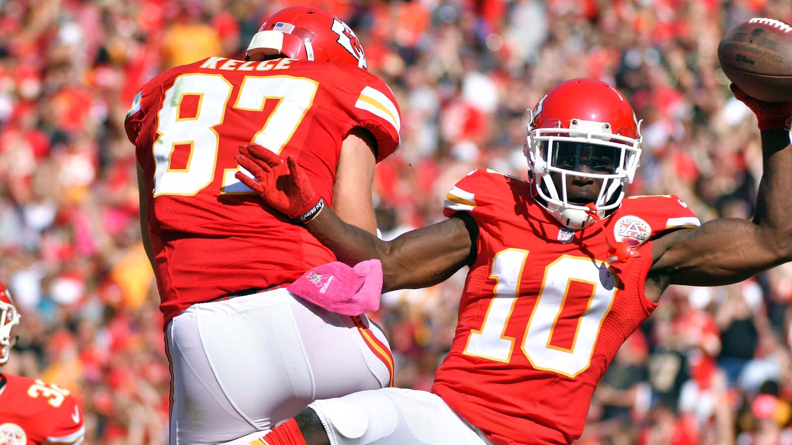Chiefs hold off error-prone Saints in 27-21 victory