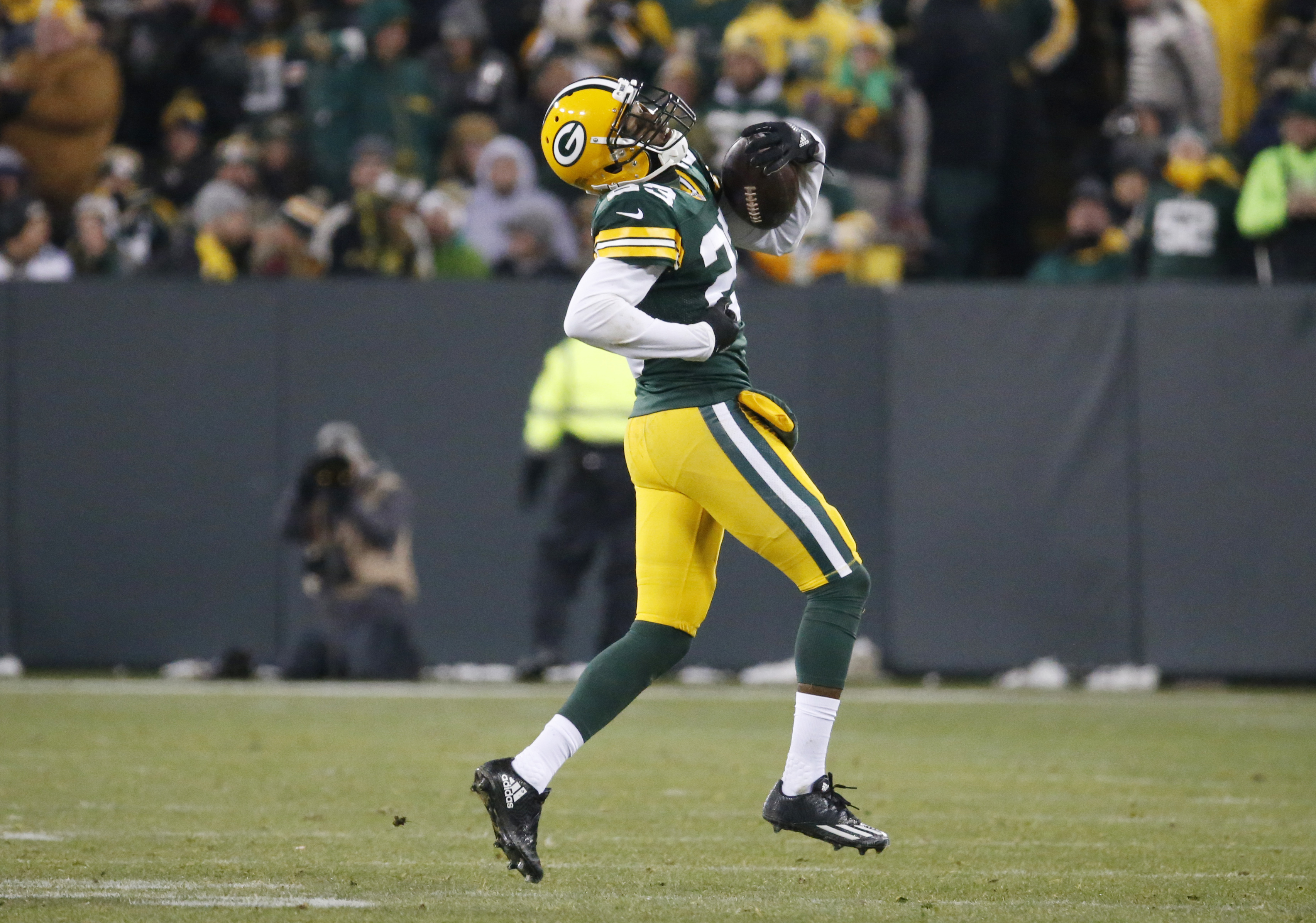 Packers secondary has setback with Randall's foot injury