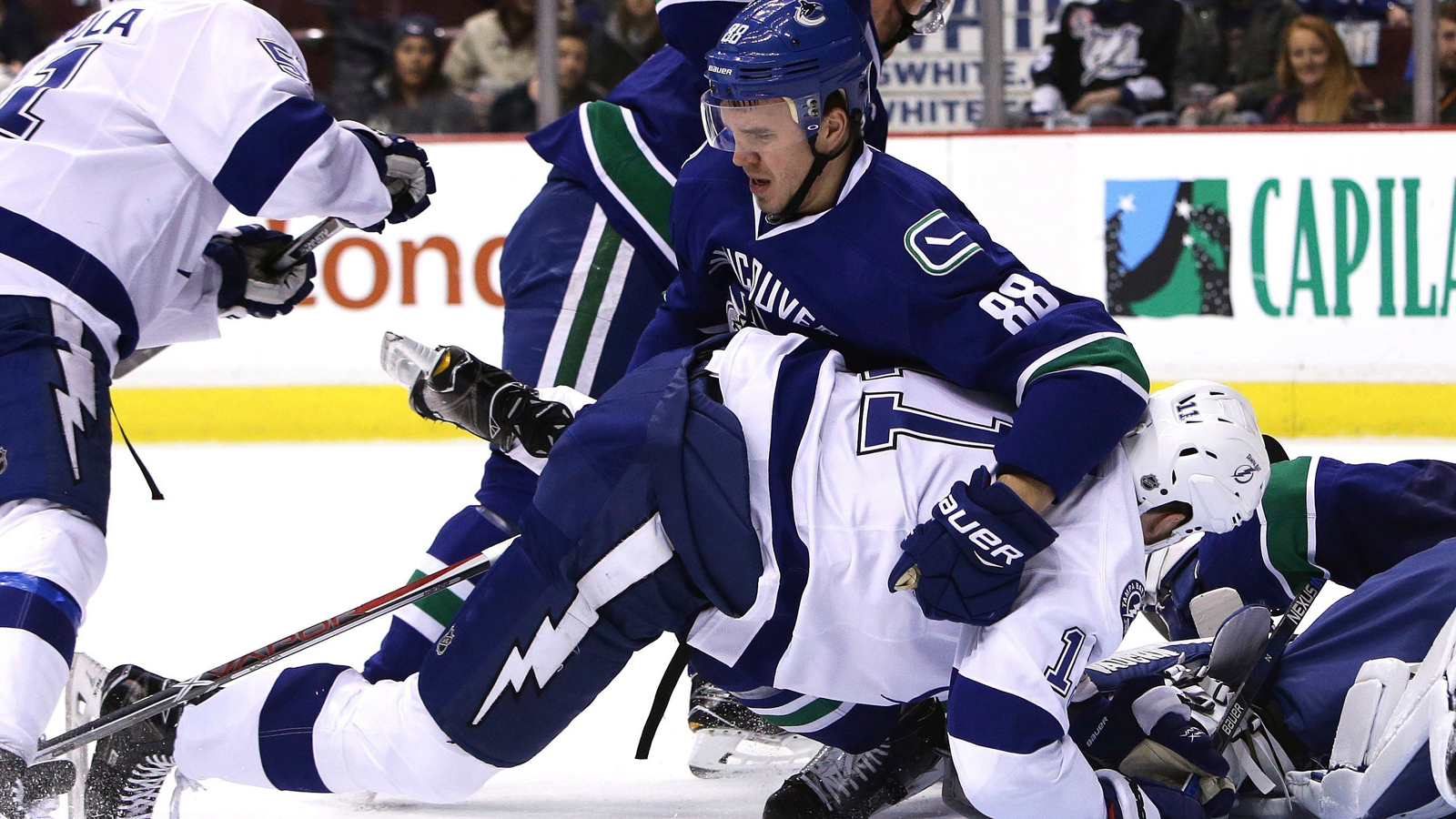 Lightning come up short on road against Canucks