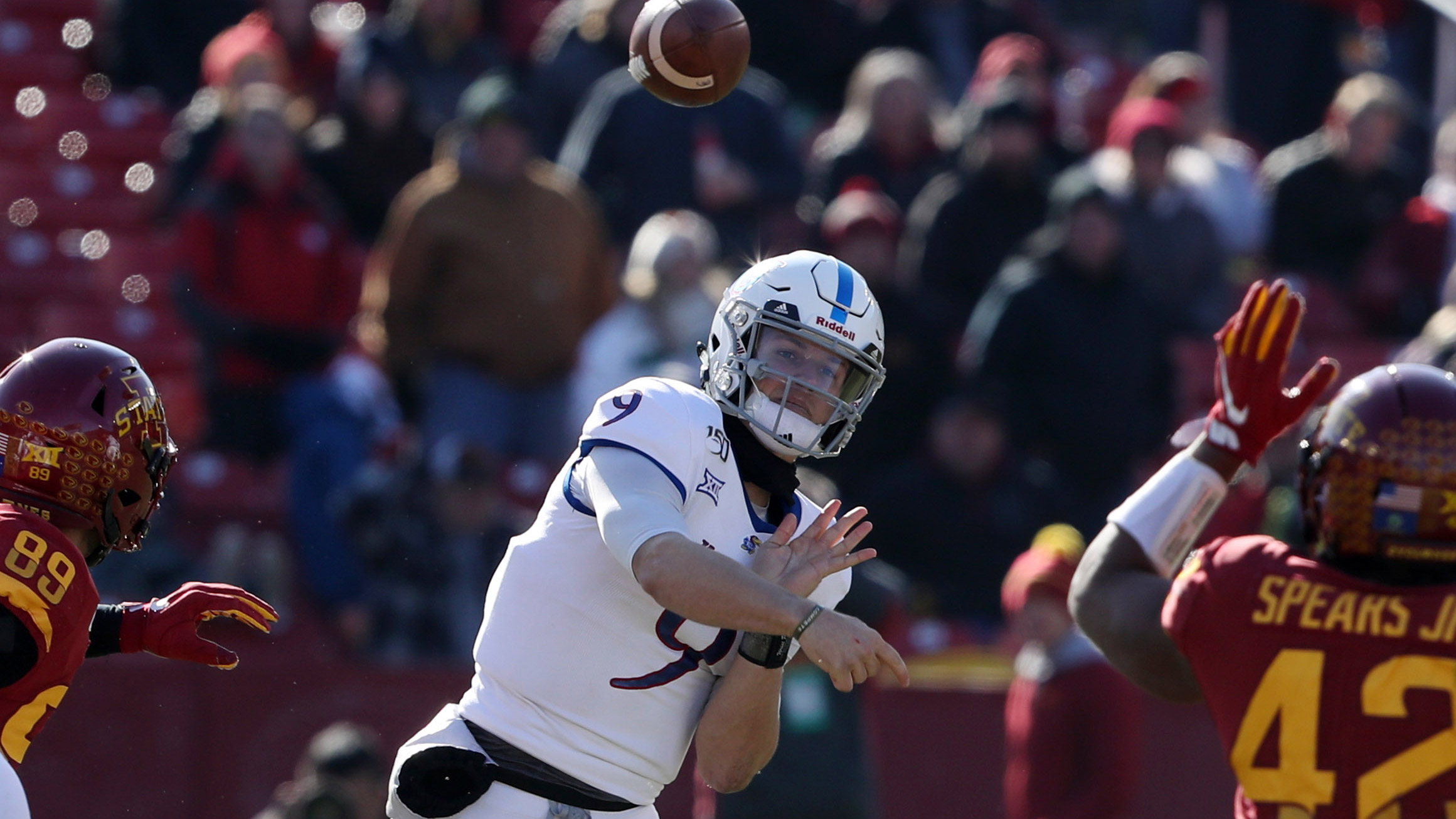 Kansas' comeback bid interrupted by Iowa State's late surge in 41-31 loss