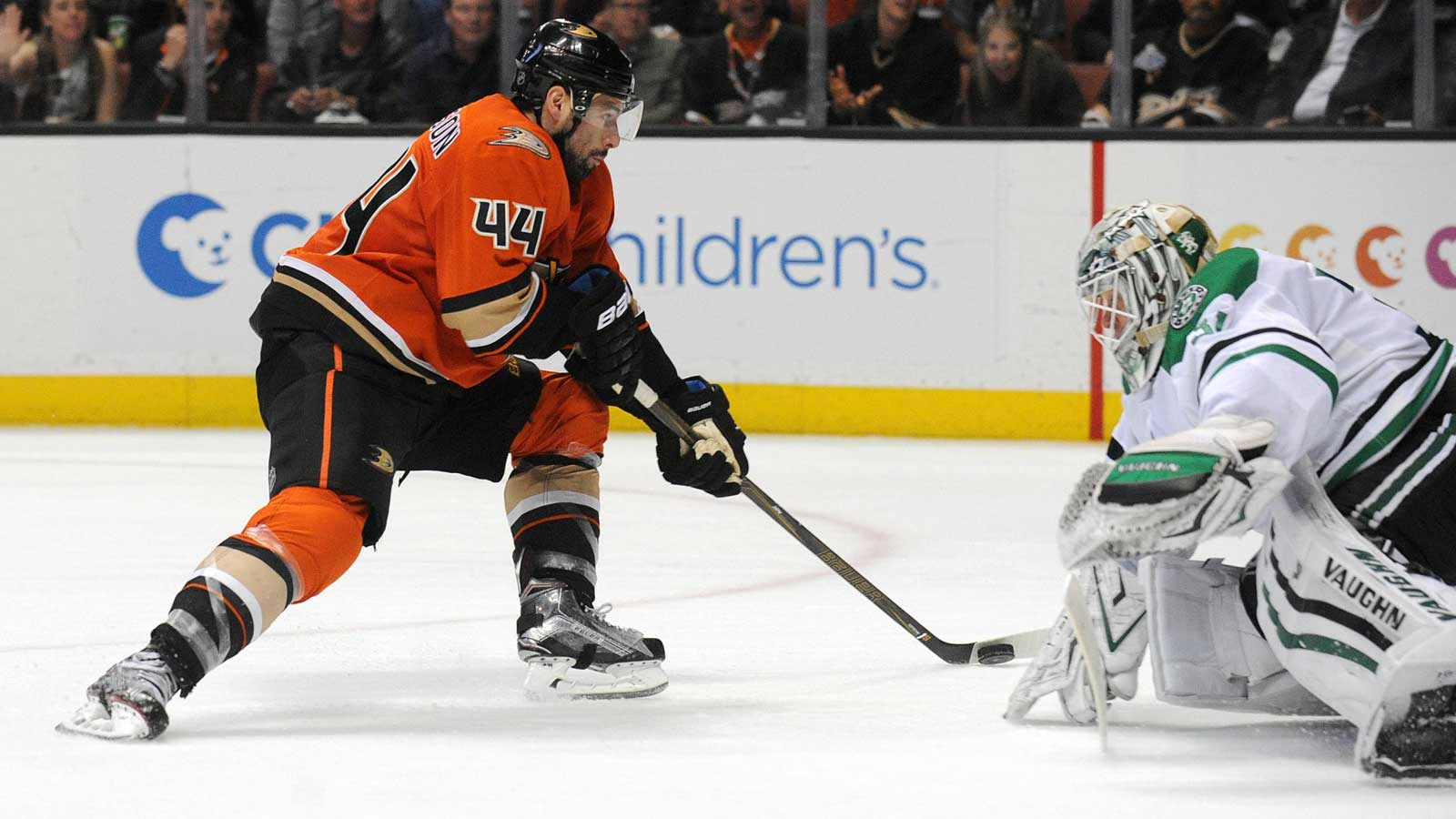 Ducks take over 1st place in Pacific Division