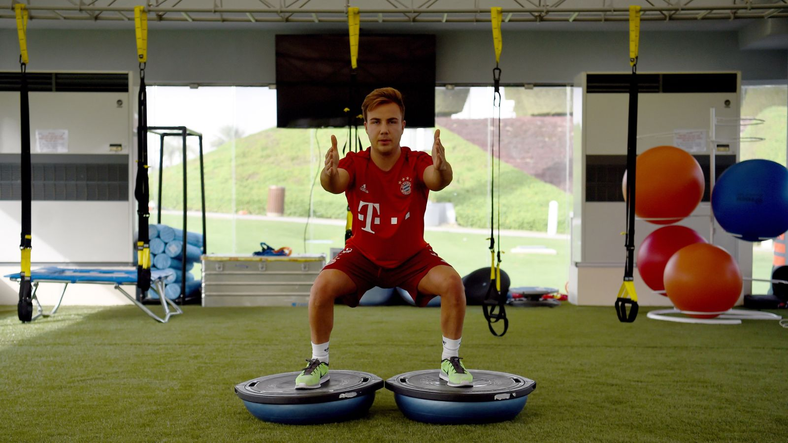 United, Liverpool battle it out for World Cup winner Gotze
