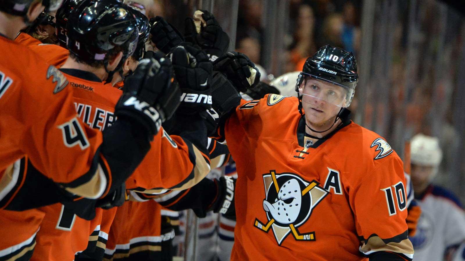 Ducks host Islanders Friday night