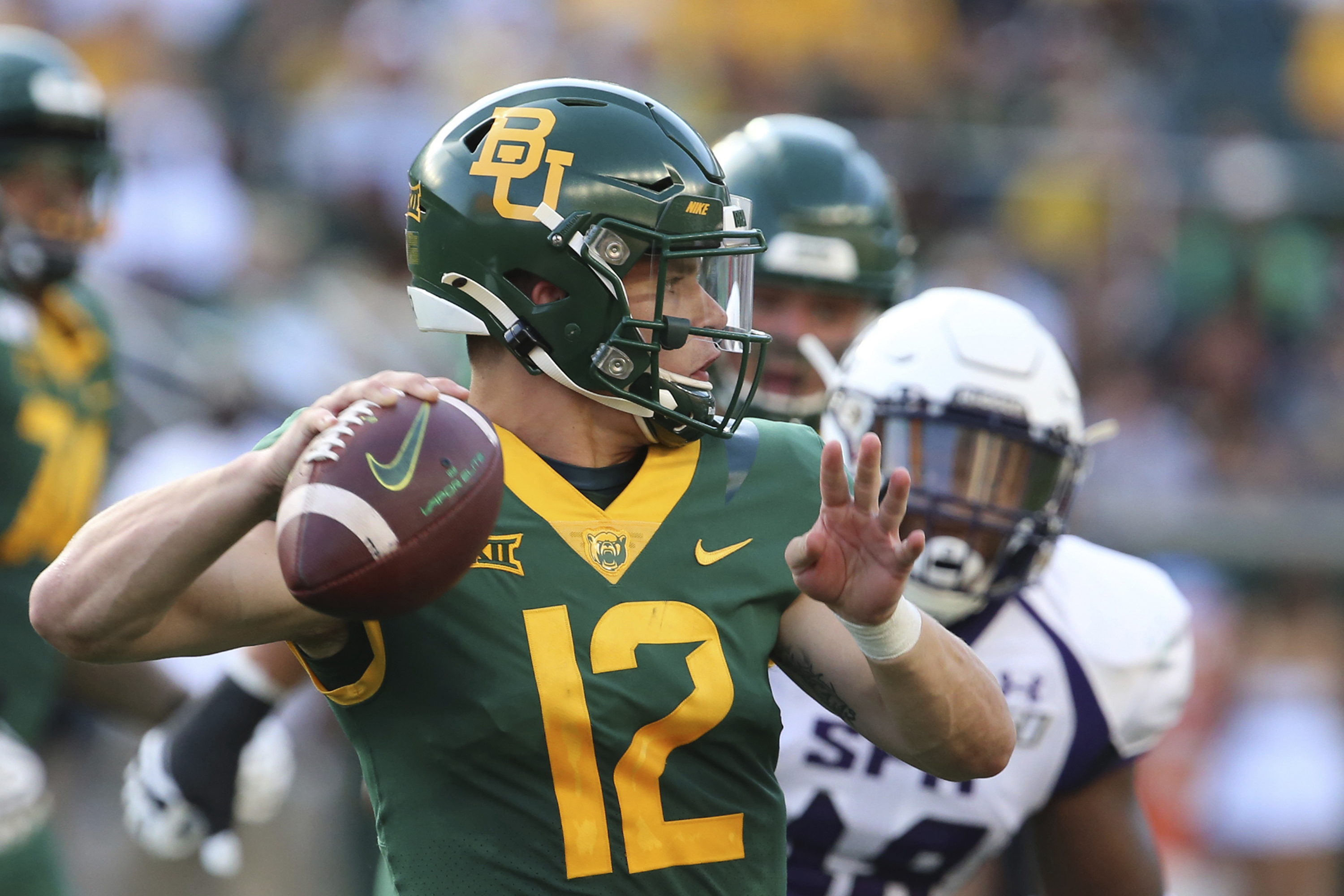 Brewer entrenched as Baylor QB; UTSA's Harris just started