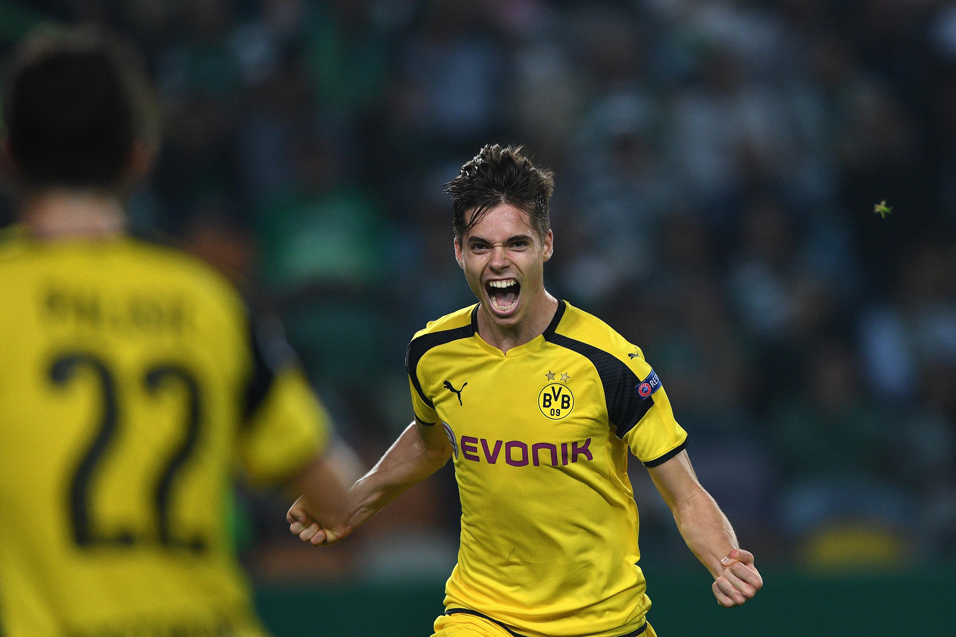 Julian Weigl's first goal for Borussia Dortmund was gorgeous