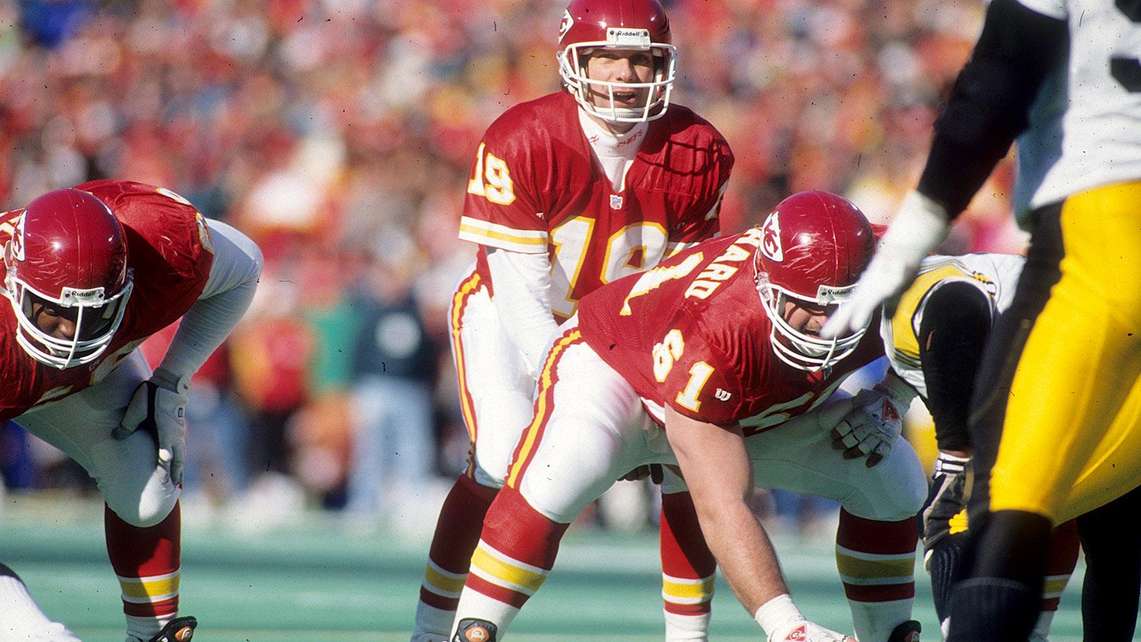 Alex Smith becomes first Chiefs quarterback to win playoff game since Joe Montana