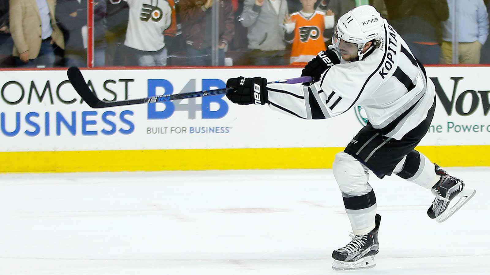 Los Angeles, NHL's worst shootout team last season, wins SO in Philly