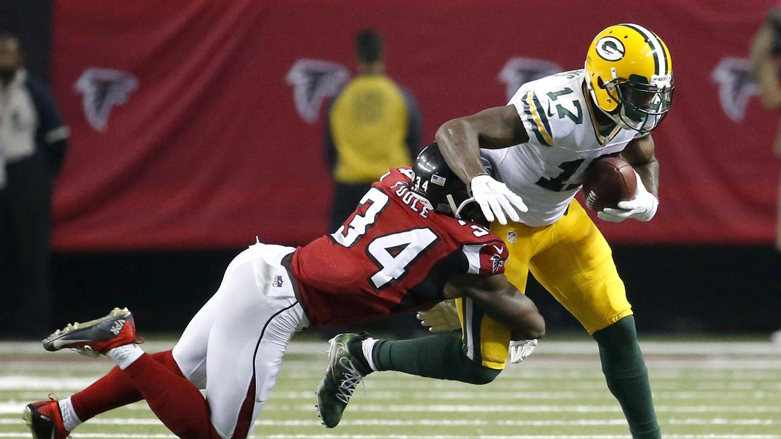 Packers' passing game takes step forward despite loss