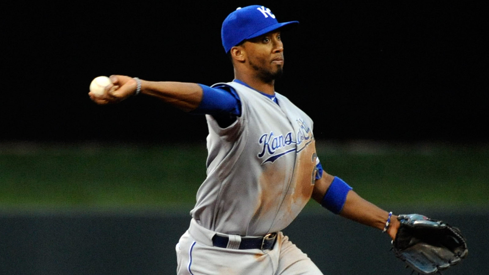 Royals kick off second half with double dip of White Sox