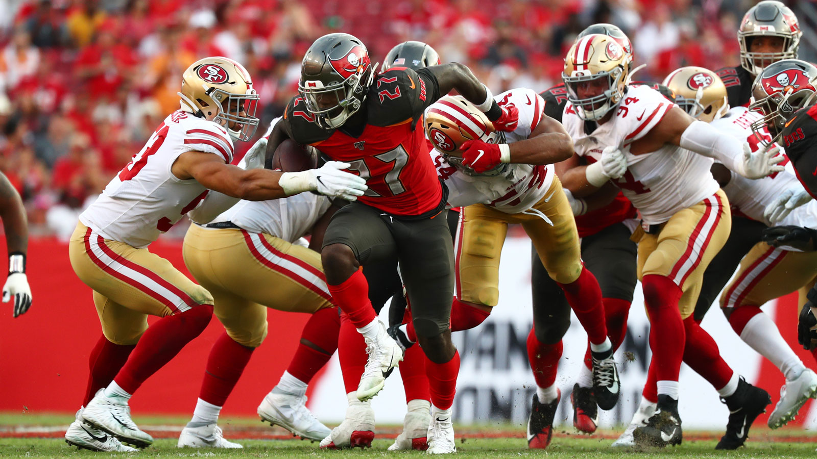 Bucs' running game shows signs of life with 2nd-year RB Ronald Jones II leading way