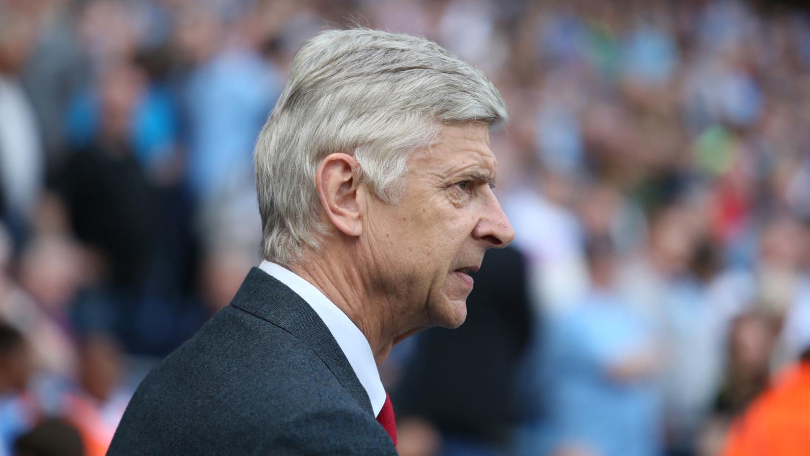 Arsene Wenger angrily denies talk of new Arsenal deal