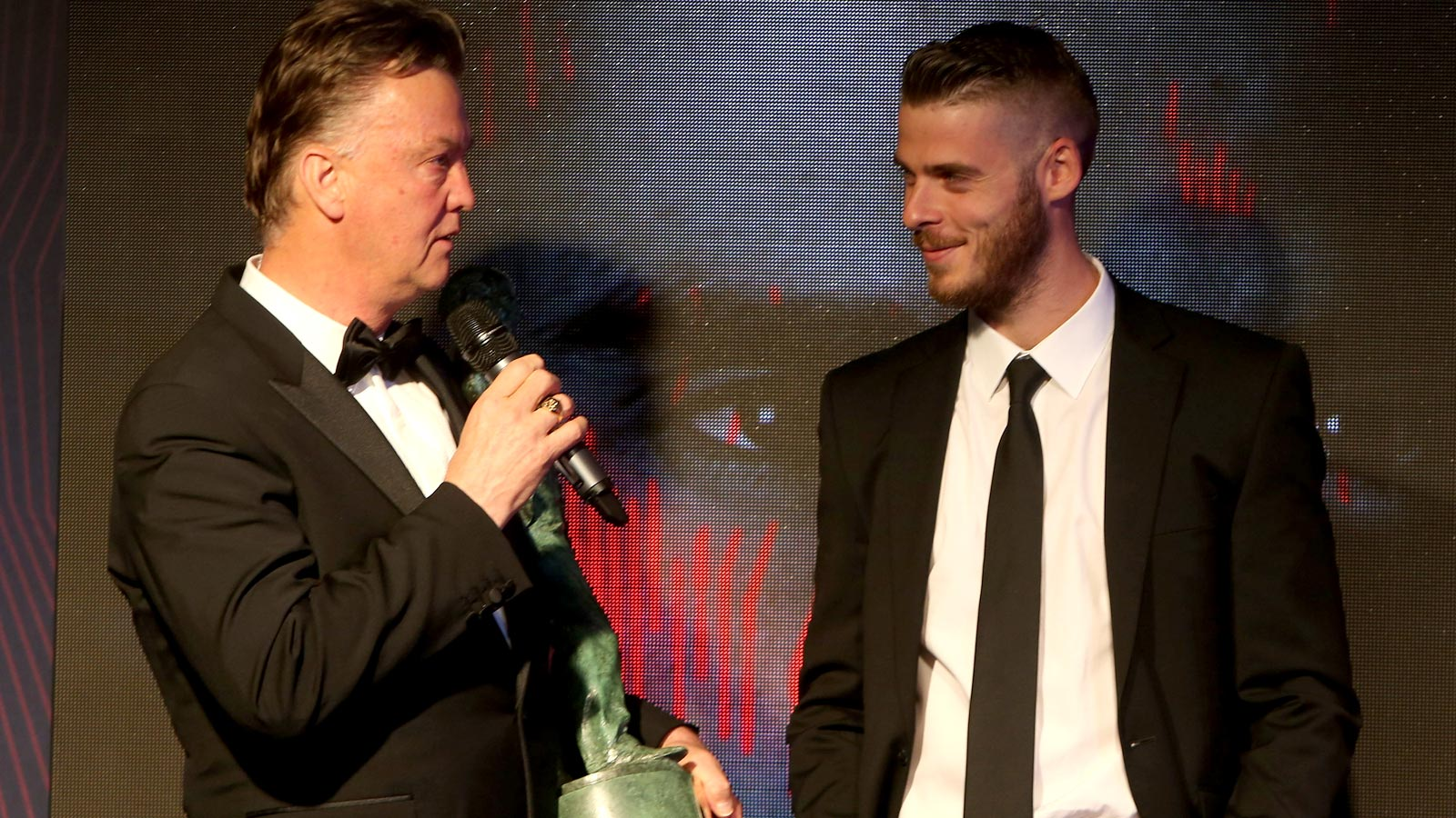 Van Gaal unsure if De Gea will still be at United on Tuesday