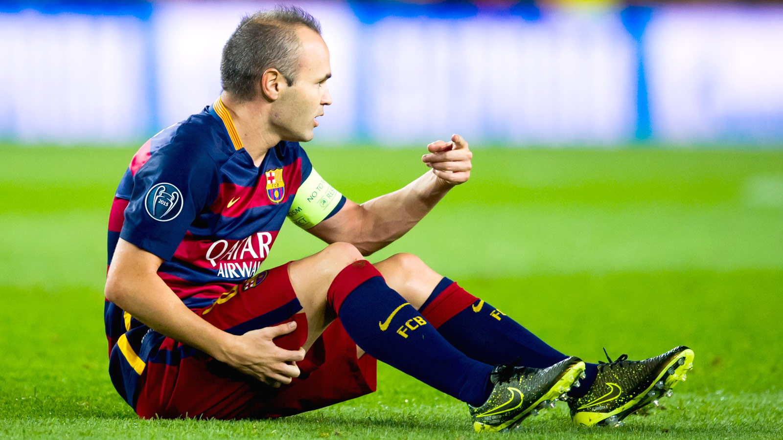 Barca's Iniesta suffers hamstring injury, out for unspecified period