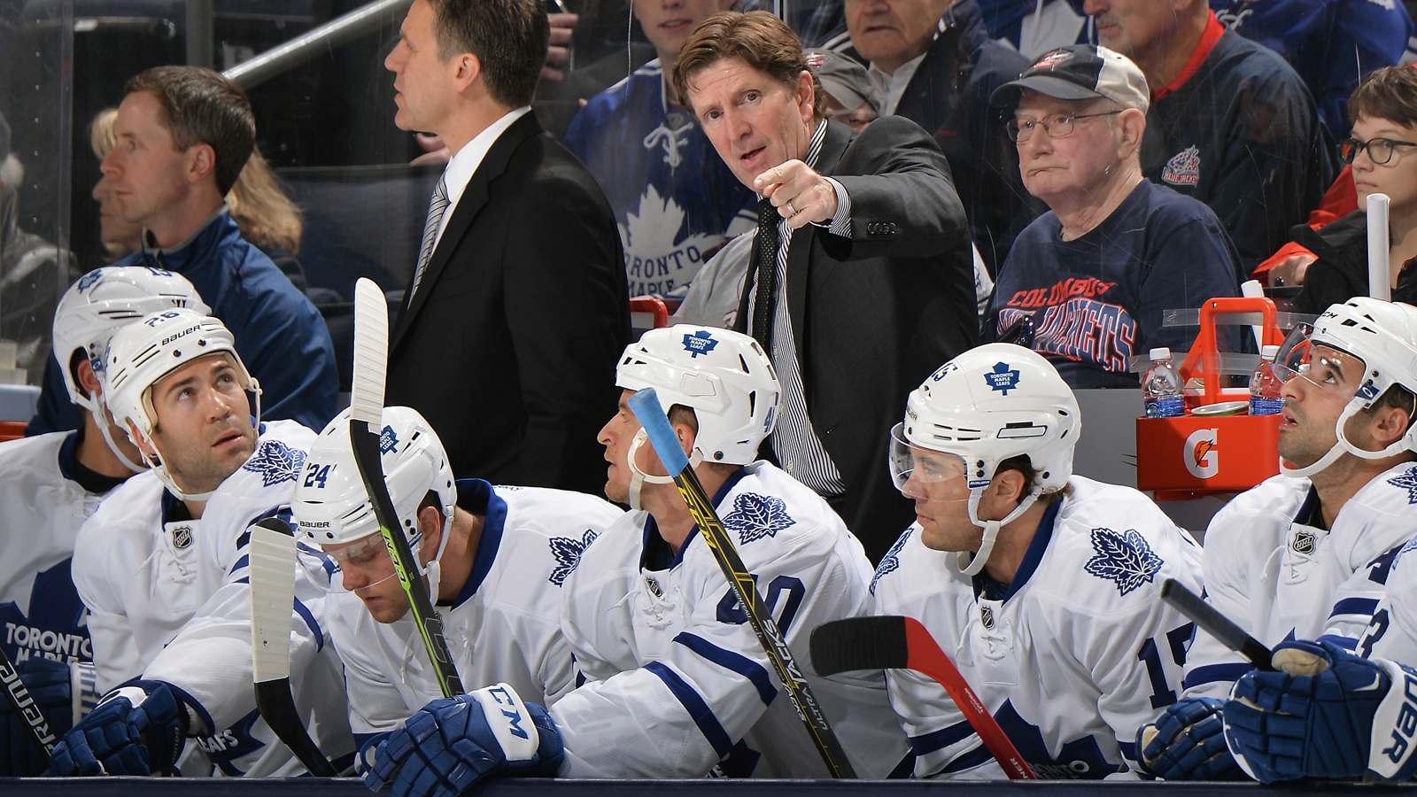 Maple Leafs keep Blue Jackets winless, pick up first victory for Babcock