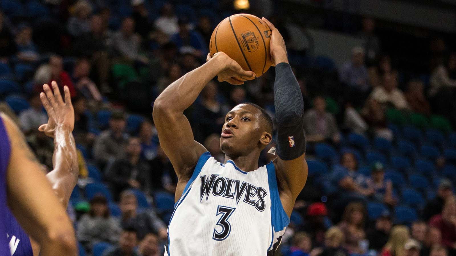 Timberwolves-Hornets Twi-lights: Minnesota rookie Dunn makes an impact