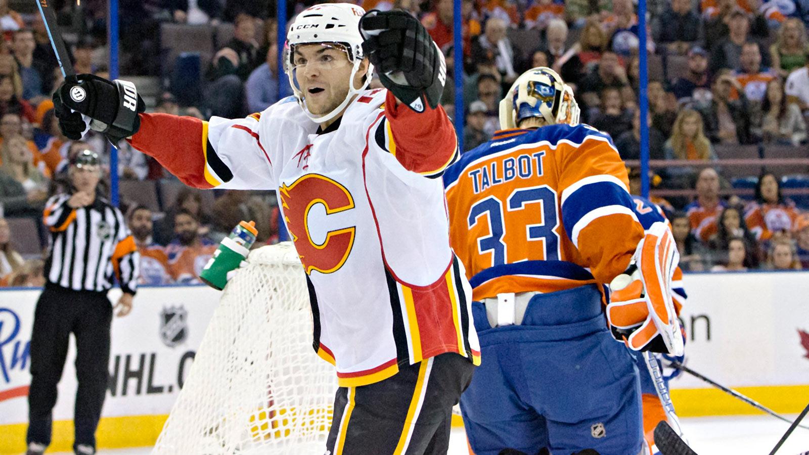 Frolik caps hat trick in last seconds, Flames edge Oilers to snap skid
