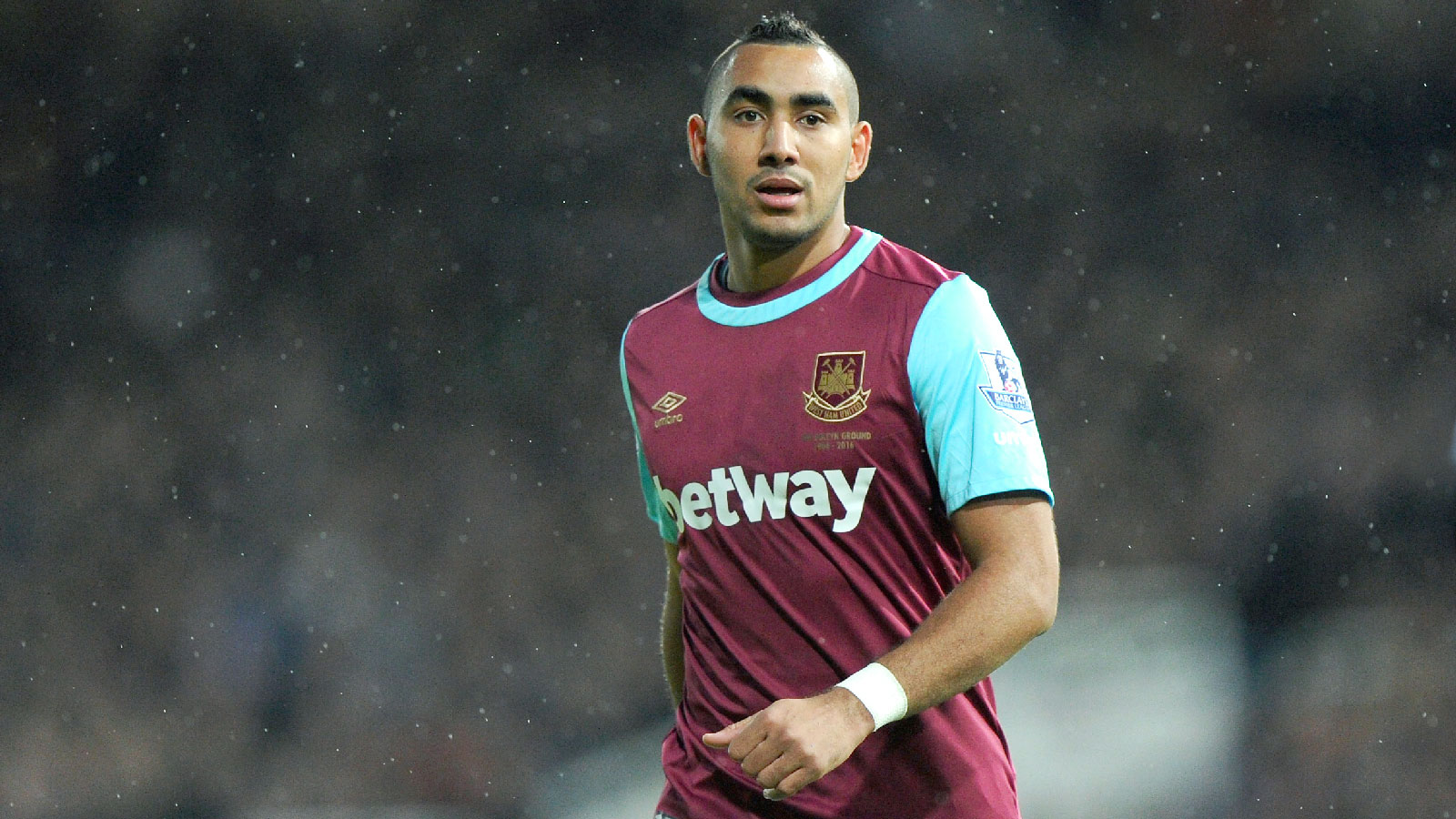 Dimitri Payet signs new five-year deal with West Ham