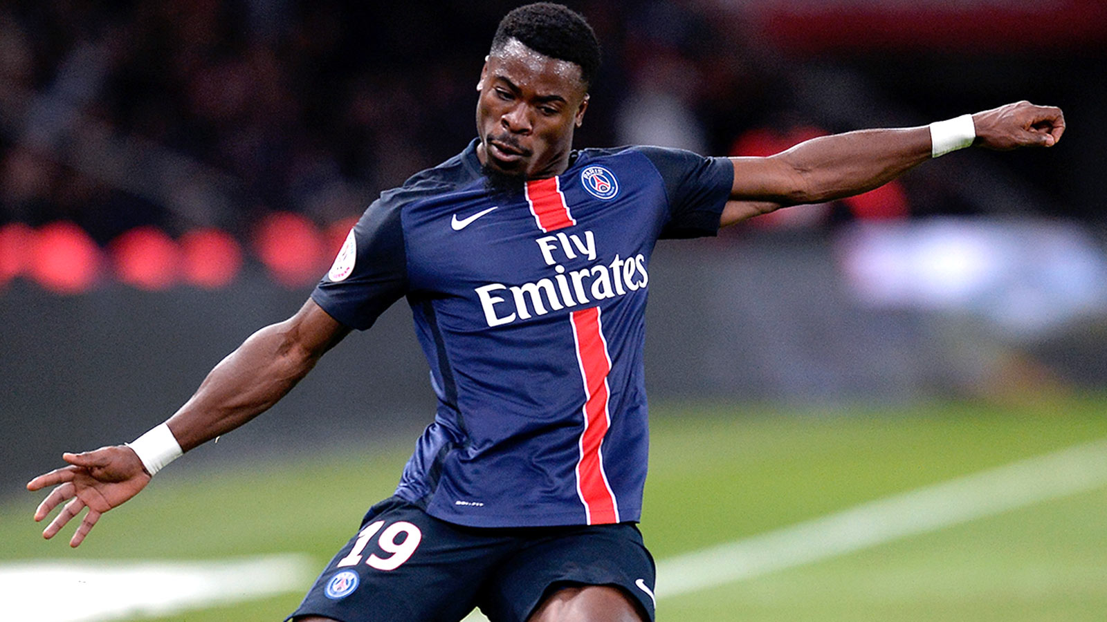 Suspended Aurier allowed to return to PSG squad next month