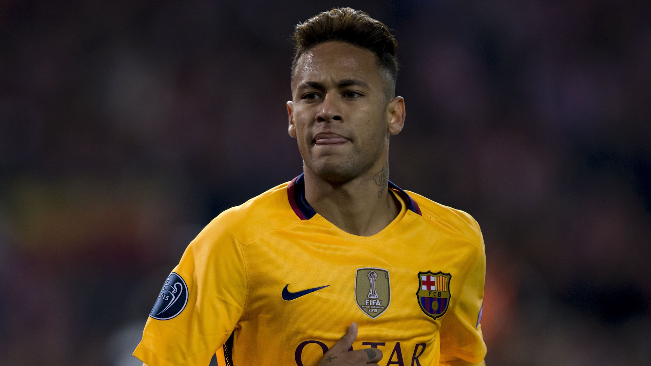 Neymar to snub Manchester United for Barcelona stay