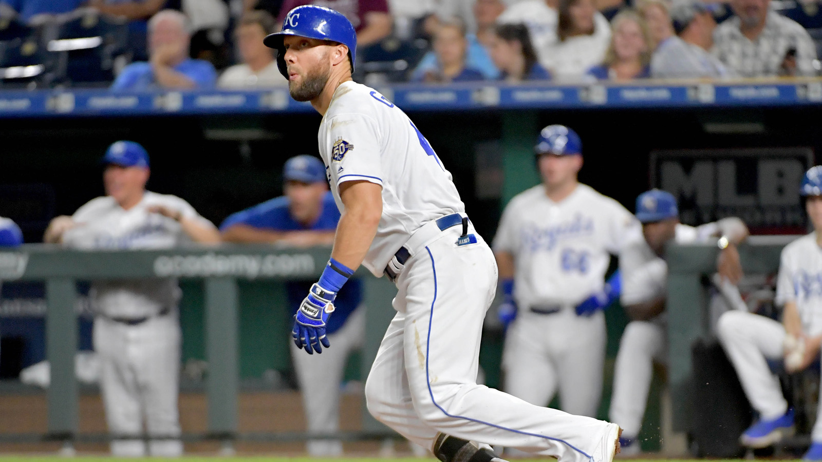 Gordon drives in five in Royals' 10-3 win over Twins