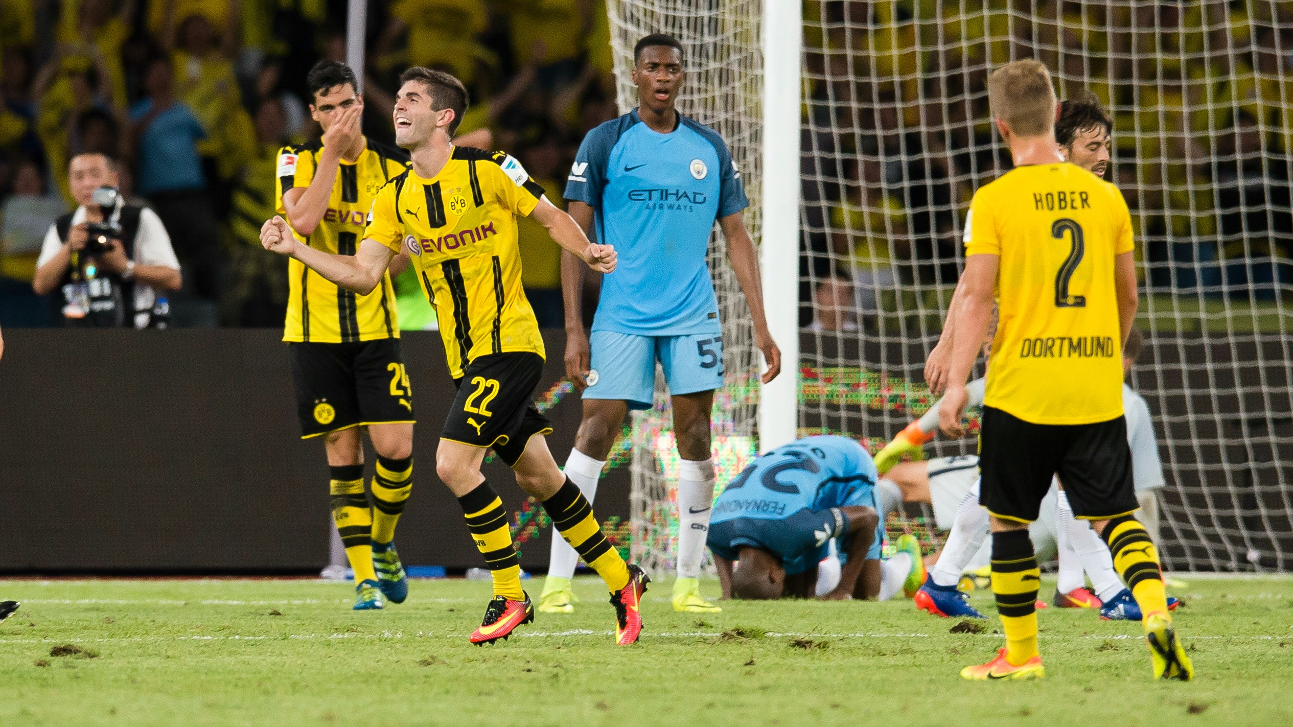 Christian Pulisic scores last-second equalizer vs. Manchester City