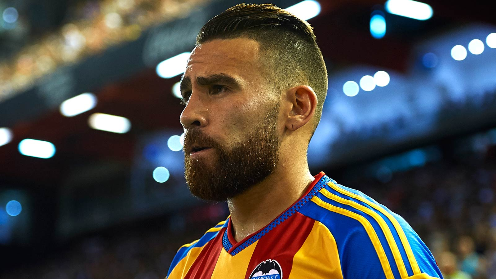 Report: Otamendi set for Man City medical after deal reached with Valencia