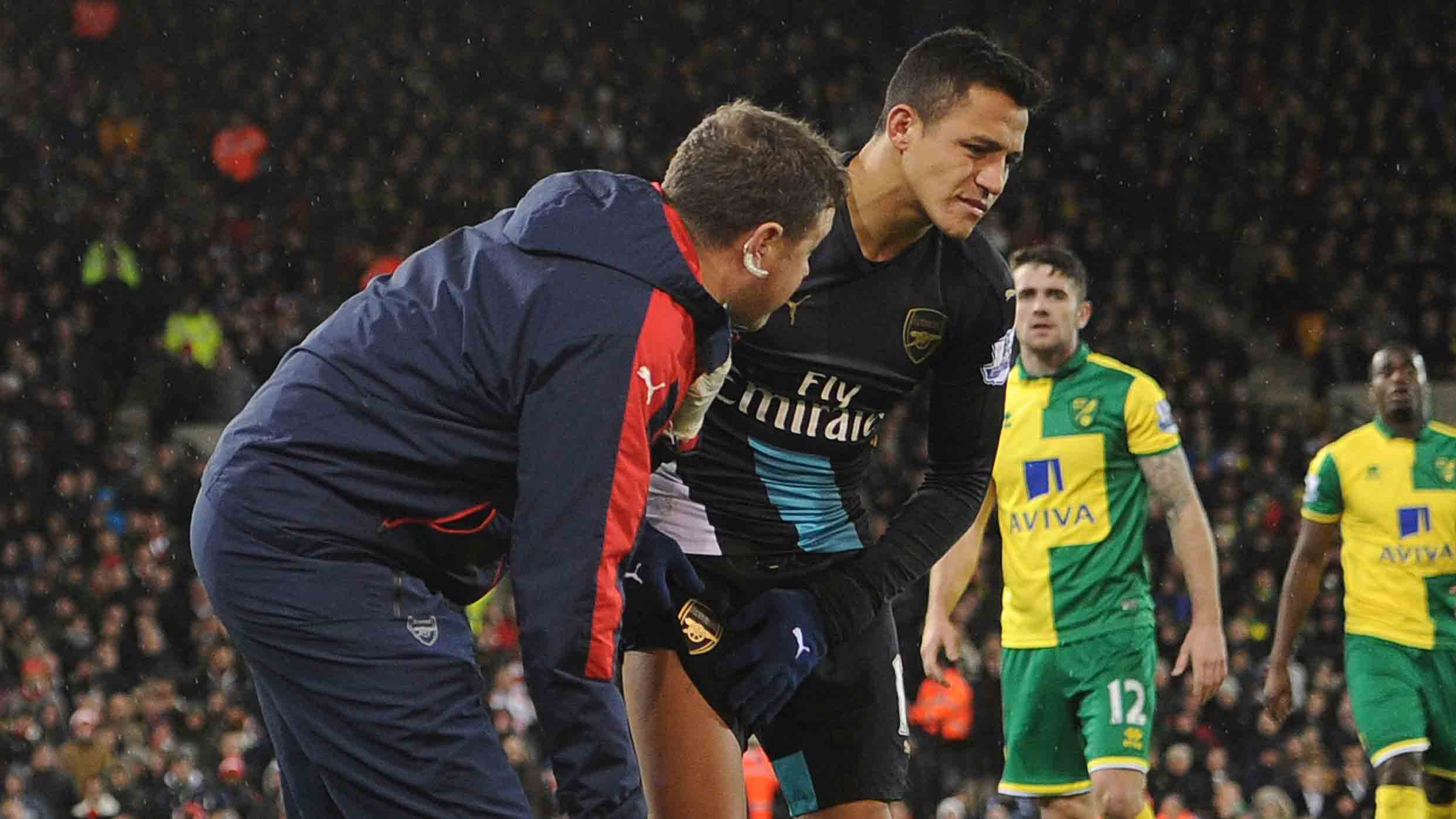 Wenger ponders Sanchez 'gamble' ahead of Stoke trip