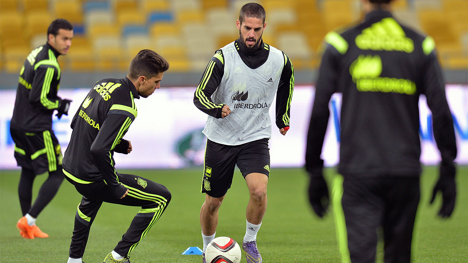 Isco ruled out of Spain squad with muscle strain