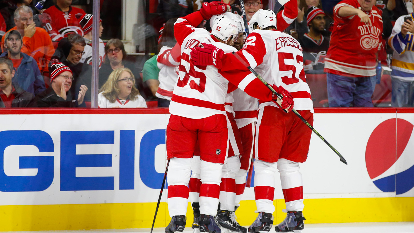 Pulkkinen scores two, Red Wings beat Hurricanes 4-3