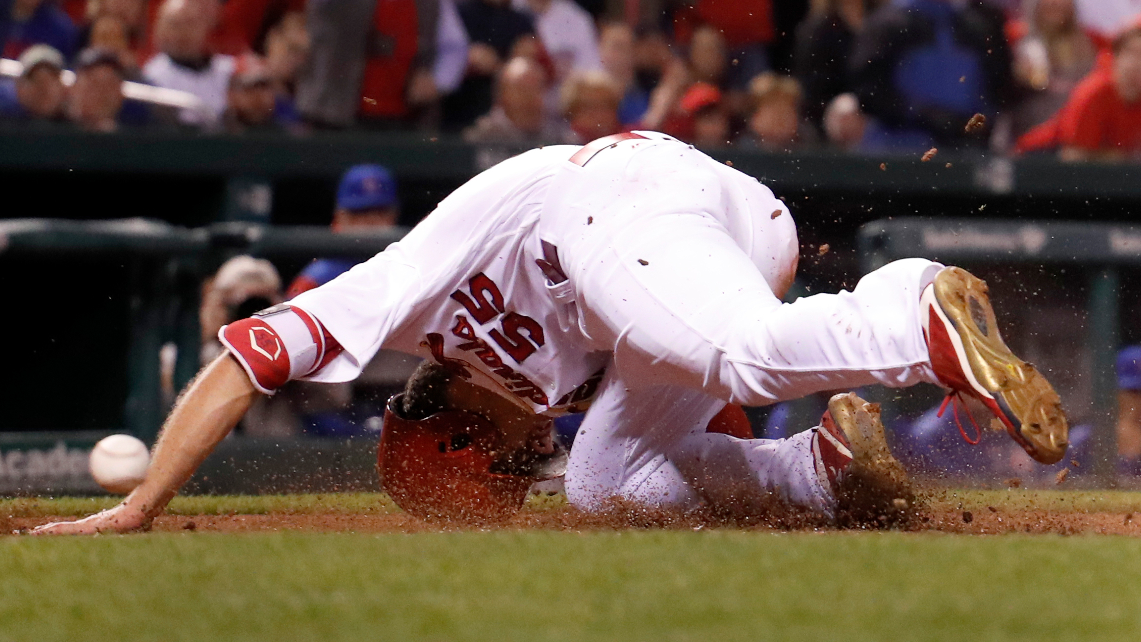 Piscotty leaves game early after being hit in head by throw