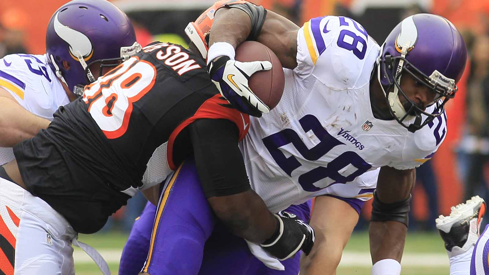 Adrian Peterson brings Minnesota Vikings teammates to Houston for workouts