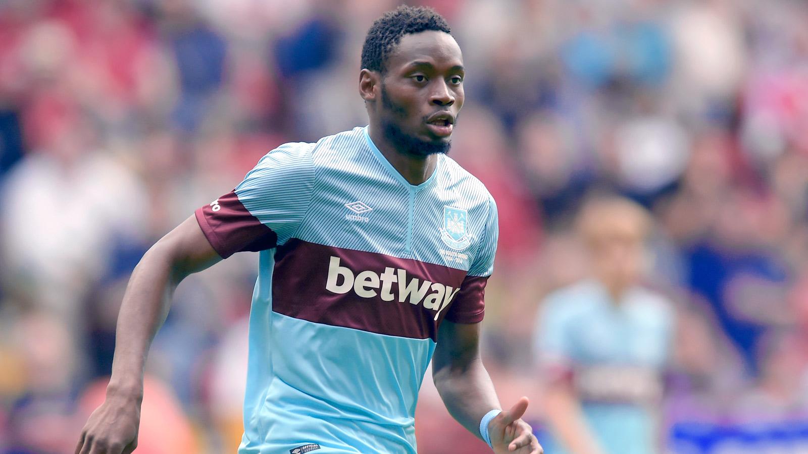 Forward Sakho remains with West Ham squad despite recent arrest