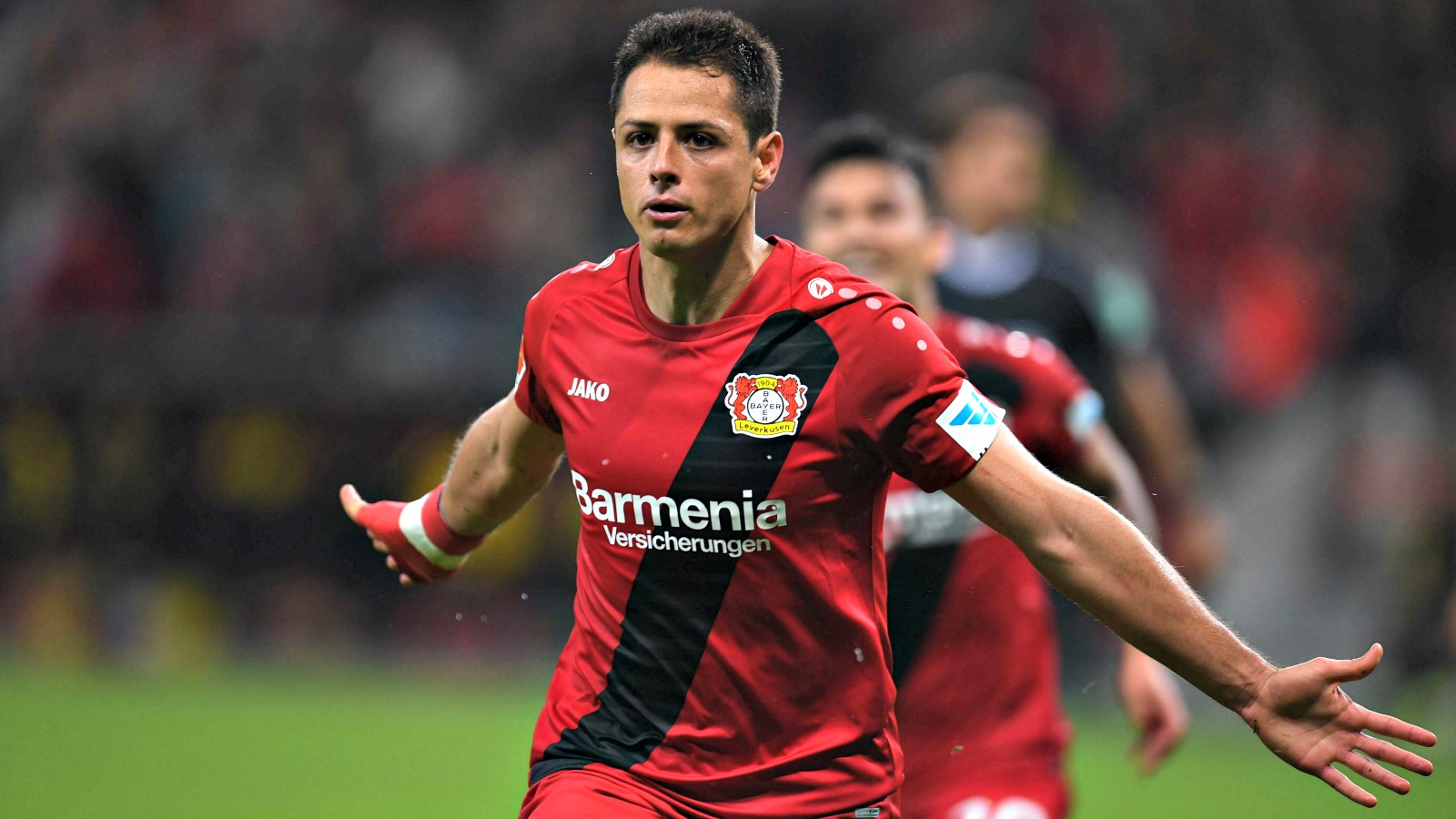 Chicharito scores again to move to the top of the Bundesliga goal scorers list