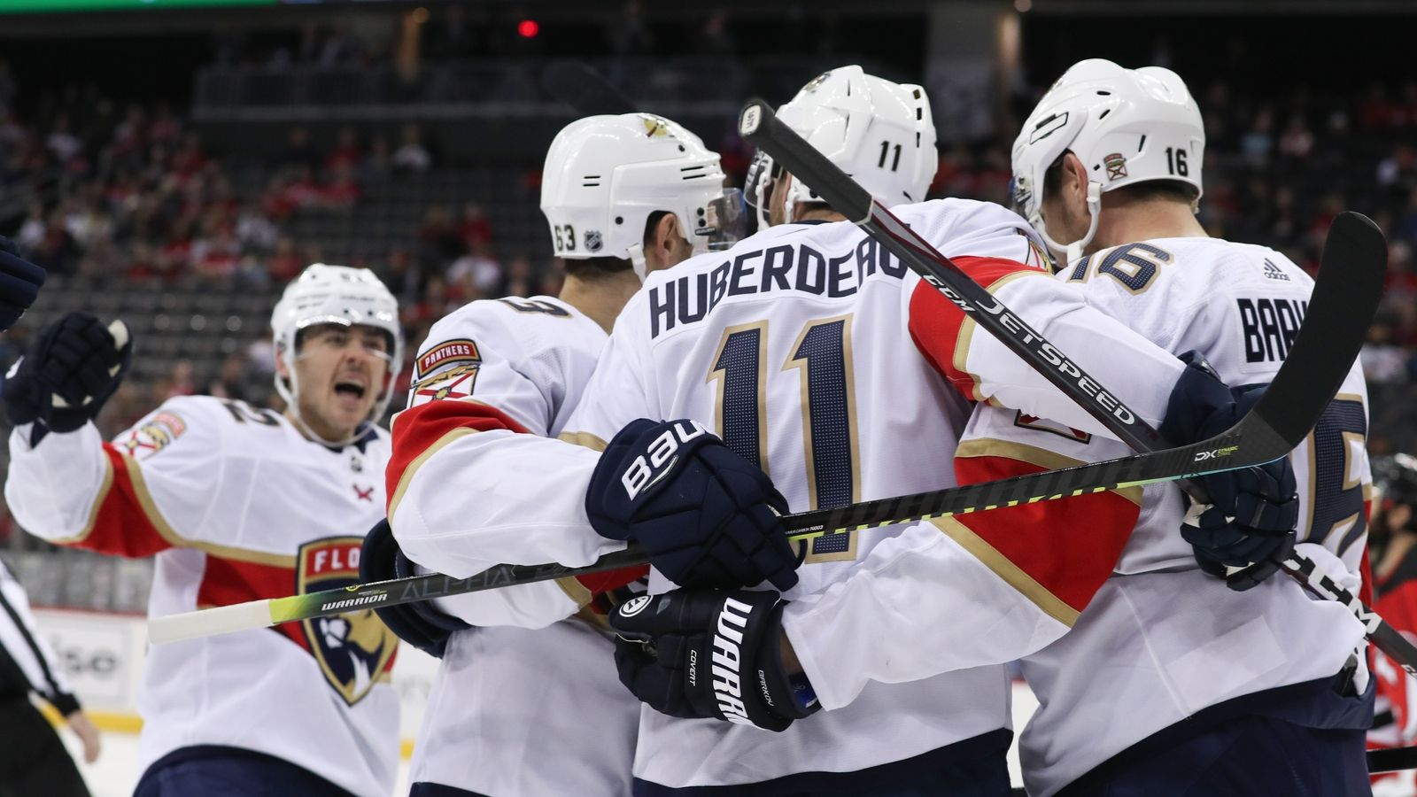 Evgenii Dadonov extends goal streak to 4 games, Panthers score 5 unanswered to top Devils