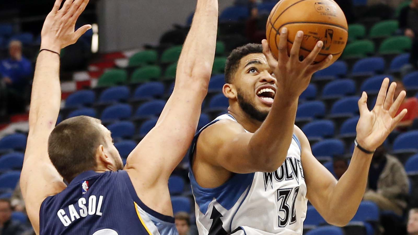 Timberwolves' Towns scores 31 in preseason win over Grizzlies