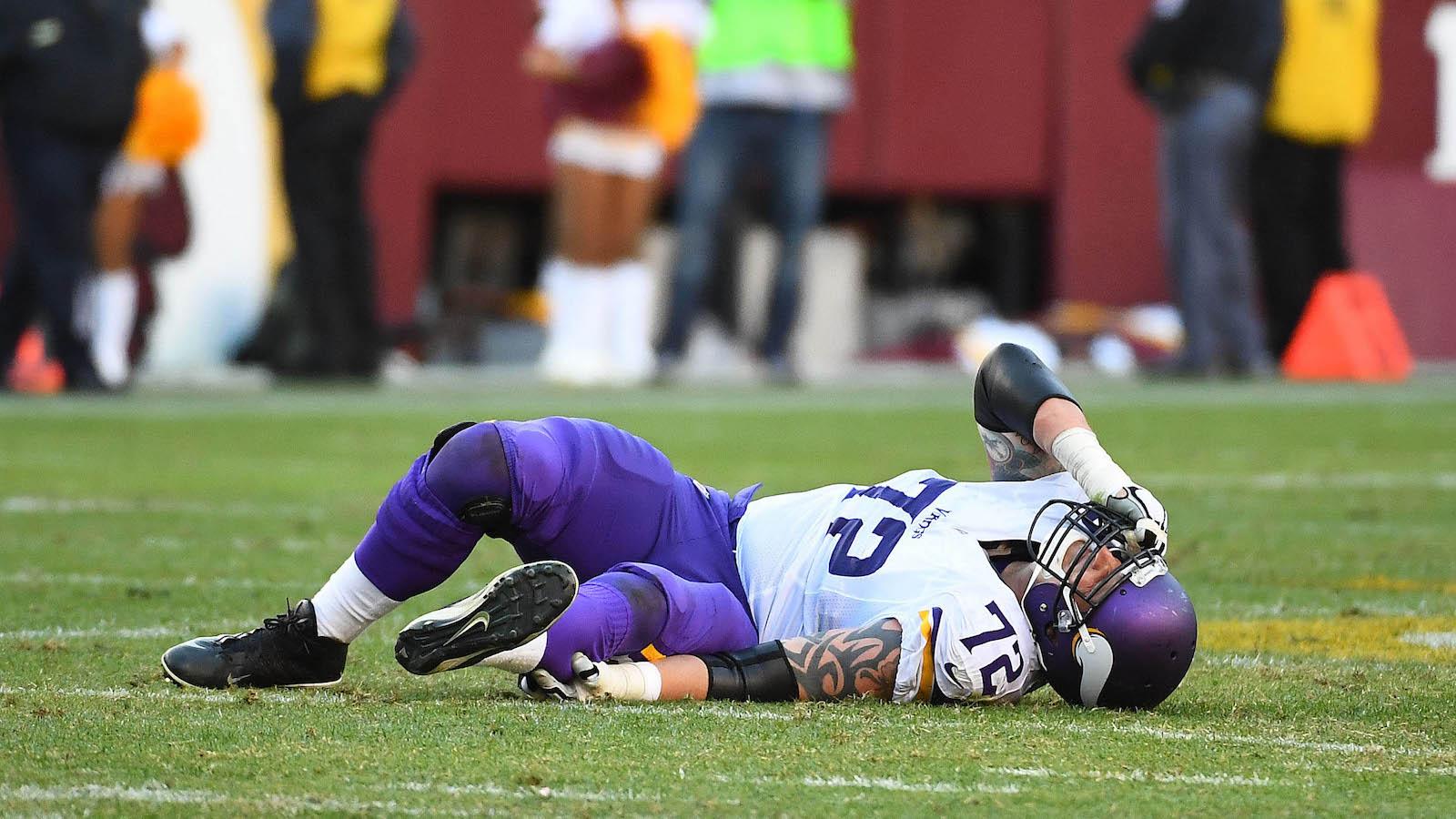 Vikings lose starting LT Jake Long to season-ending Achilles injury