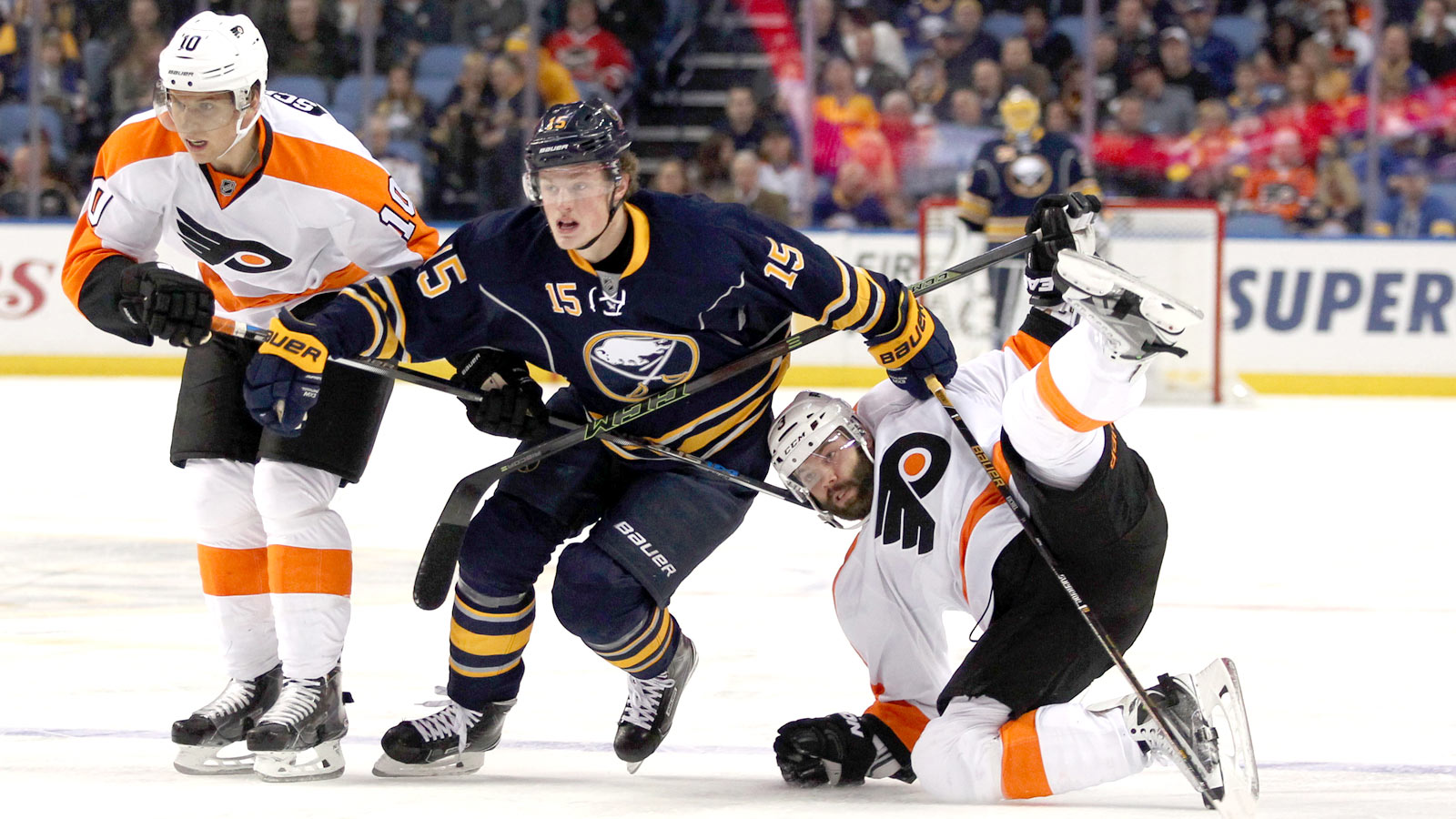 Eichel provides 'electricity' as Sabres charge past Flyers
