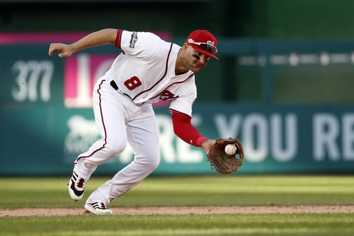 Angels acquire infielder Espinosa in trade with Nationals