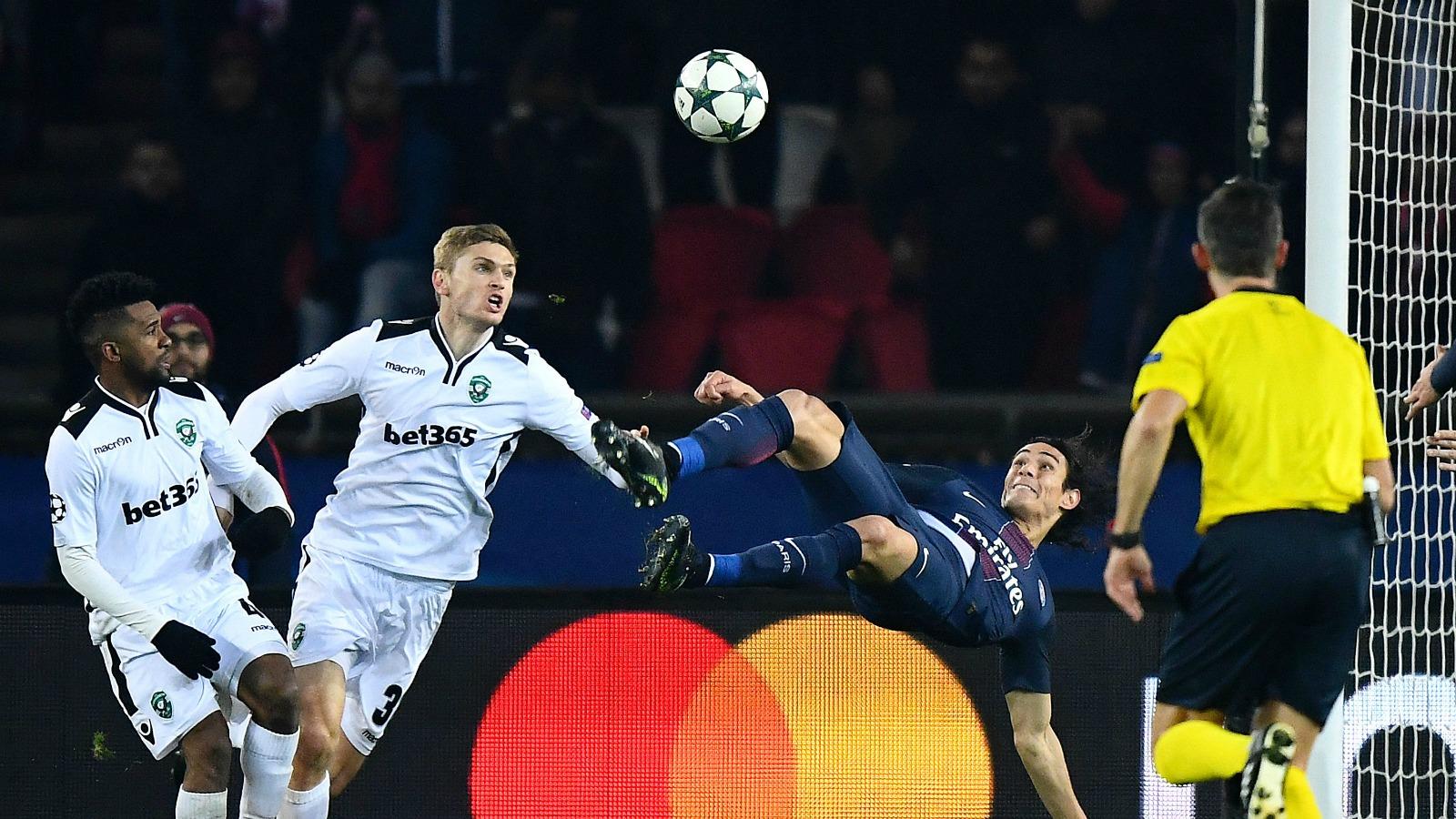 Watch Edinson Cavani's dandy bicycle kick goal against Ludogorets