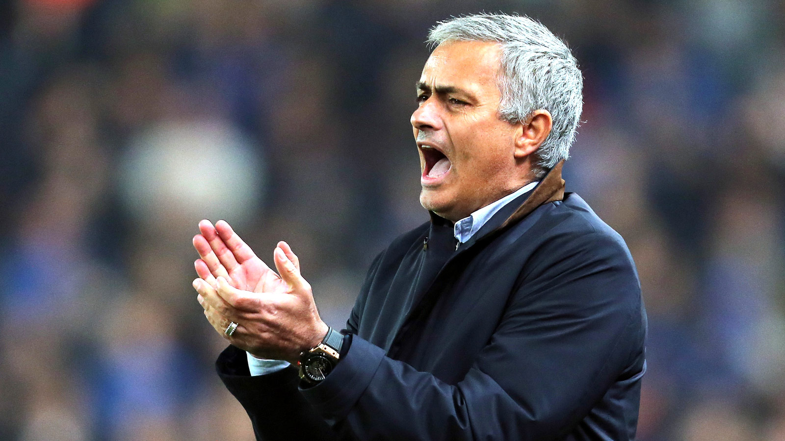 Jose Mourinho: Chelsea players are behind me
