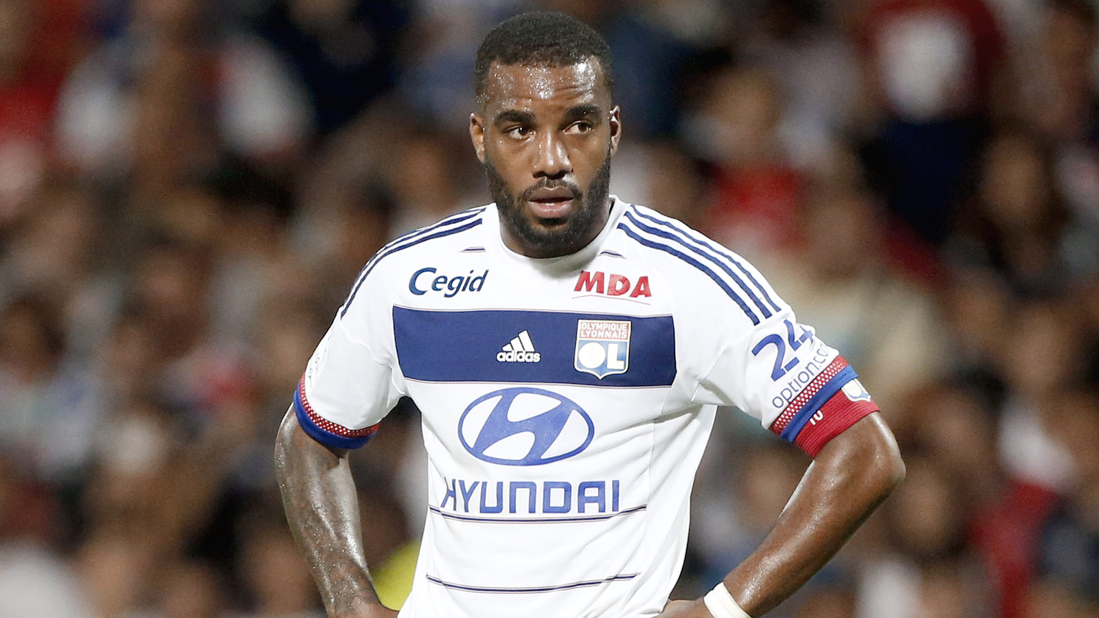 Chelsea target January swoop for Lyon star Lacazette