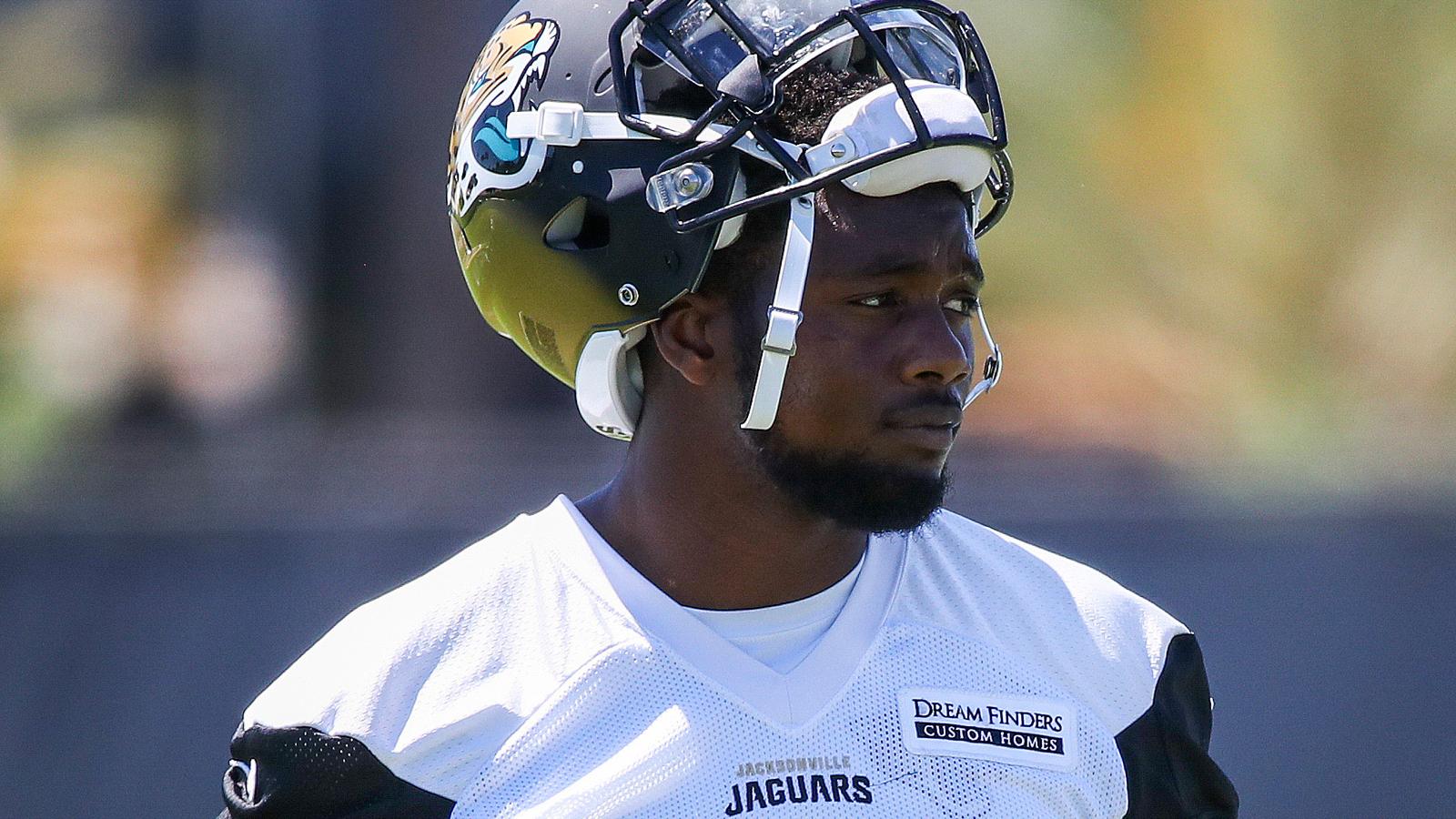 Jaguars defensive end Dante Fowler Jr. apologizes following arrest