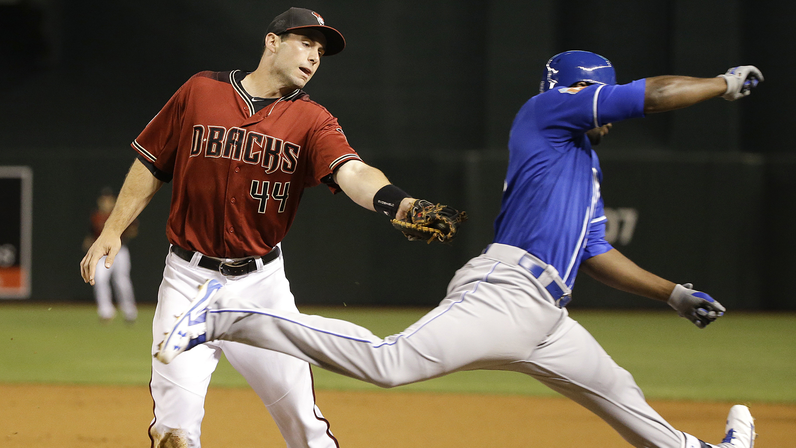 Ahmed stays hot in D-backs' costly victory over Royals