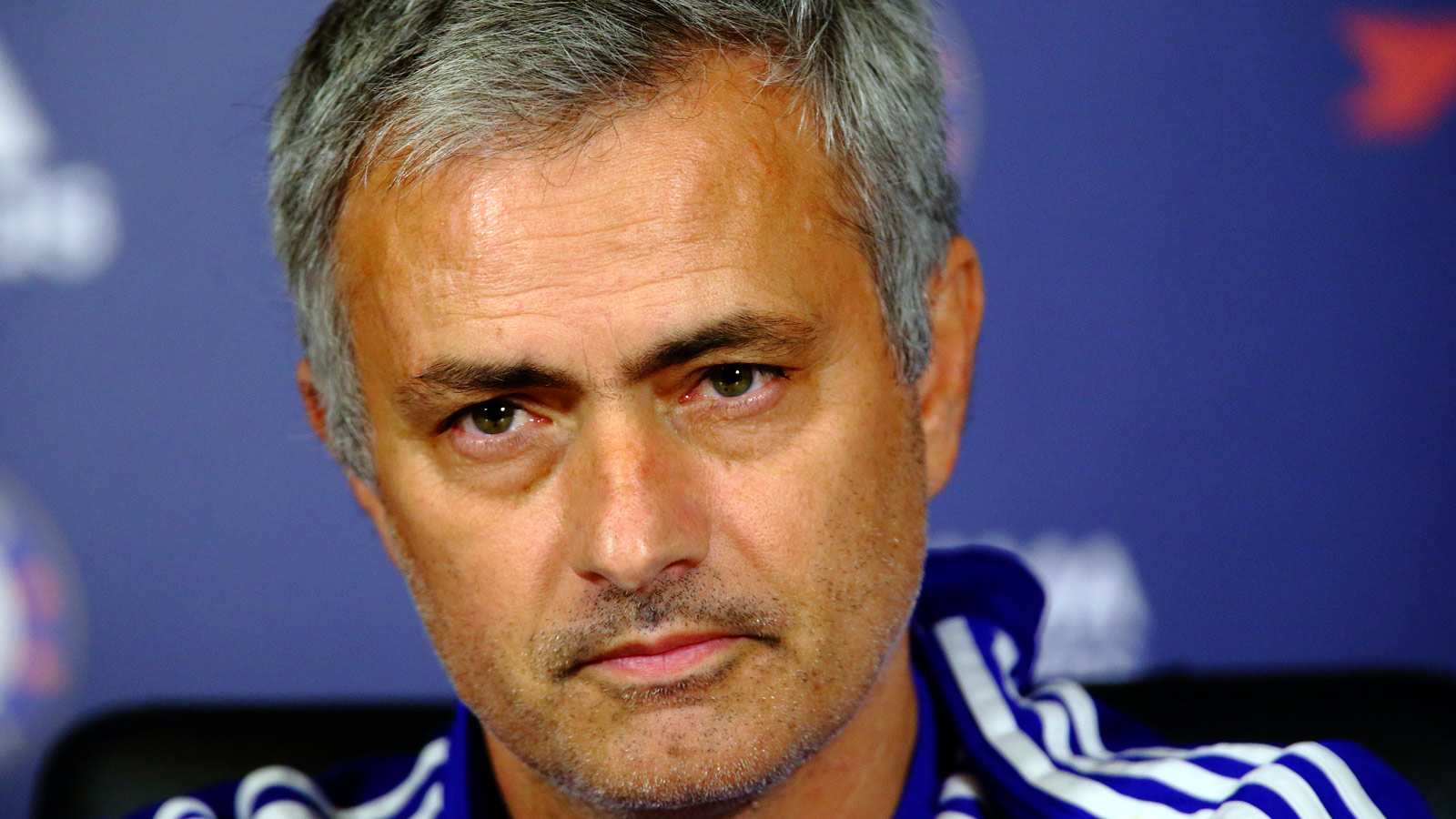 Mourinho keen on replacing Van Gaal at Manchester United