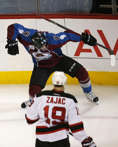 Pickard stops 27 shots to help Avalanche beat Devils 3-0