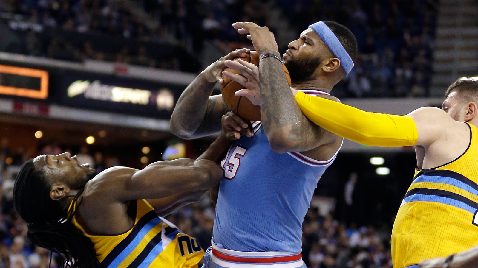 DeMarcus Cousins explodes for 37 points, 20 rebounds in Kings' win