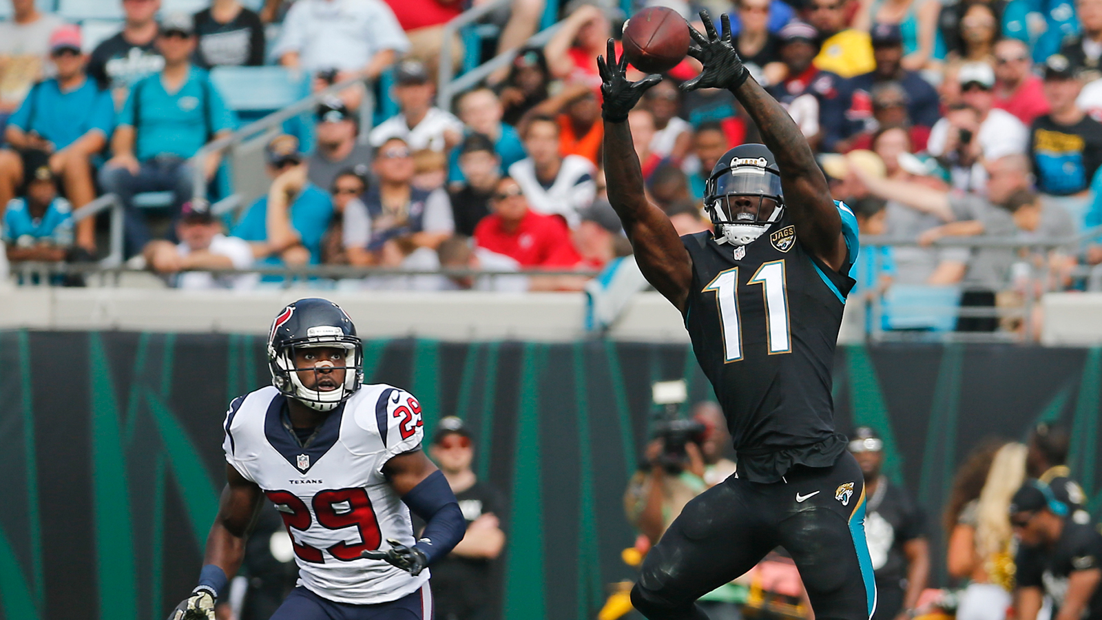 Jaguars can't stop skid, remain winless at home with loss to Texans