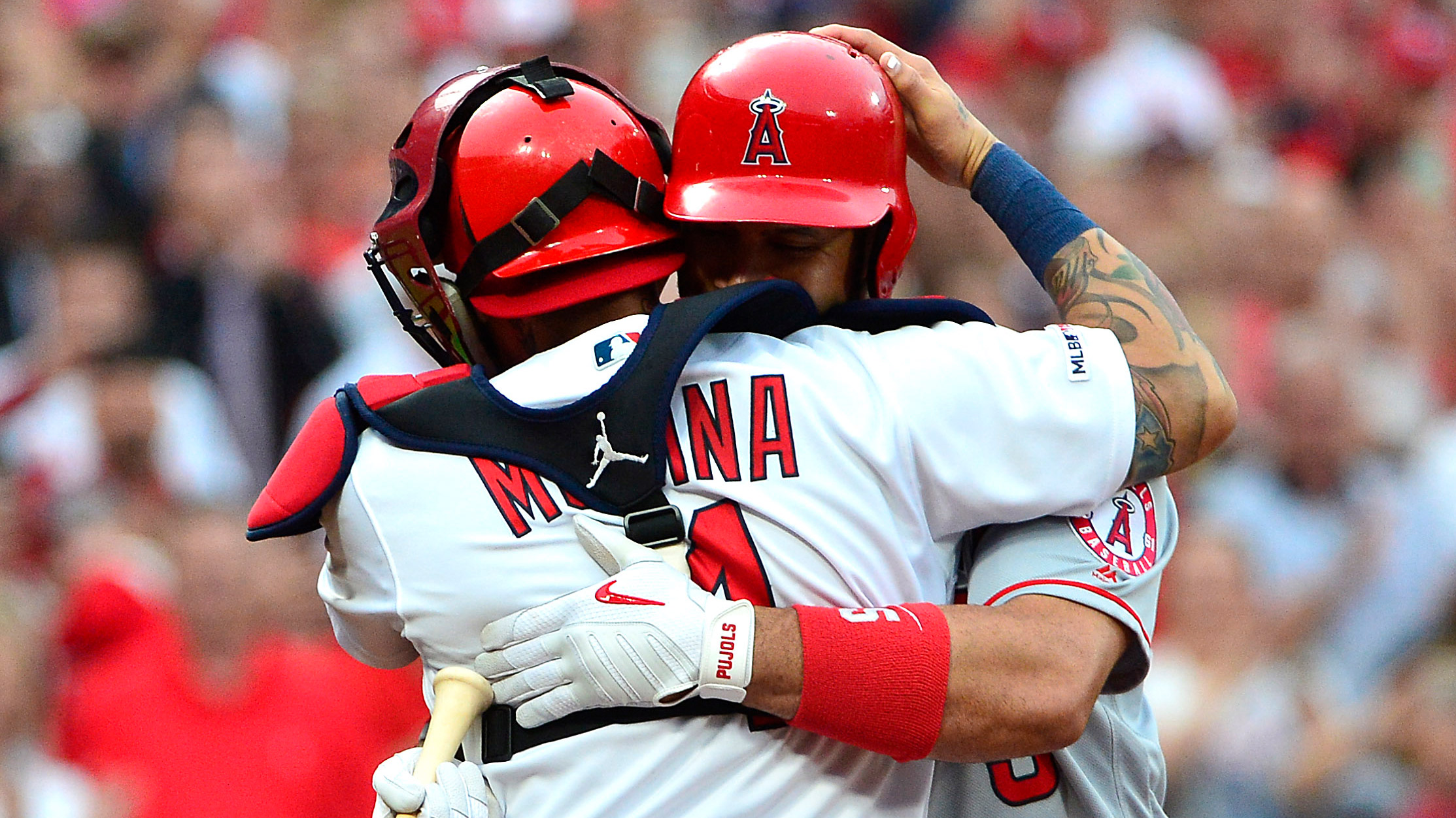 Fans cheer Pujols in his return to St. Louis, Cardinals get 5-1 win over Angels