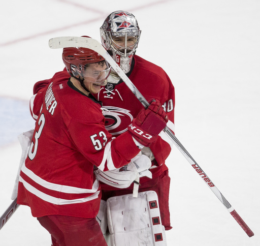 Skinner forces OT with 0.2 left, Hurricanes top Sens in shootout